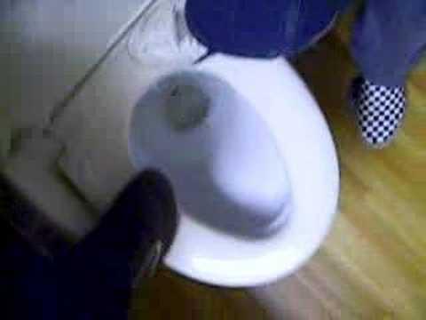 toilettes japonaises youtube. Black Bedroom Furniture Sets. Home Design Ideas