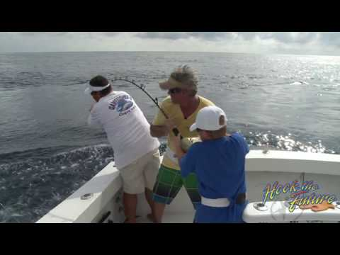 Fishing at Catalina Island - HookBuzz.com from YouTube · Duration:  2 minutes 42 seconds