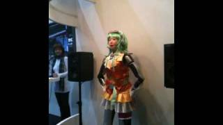 HRP-4C singing with Megpoid voice and GUMI cosplay