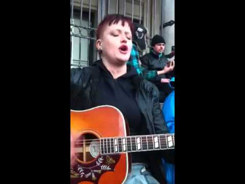 Sharon Small sings bloody Mary queen of scotts
