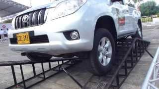 Test Drive Toyota Land Cruiser Prado 4x4 2014 Pruebas de controle de estabilidad tracción