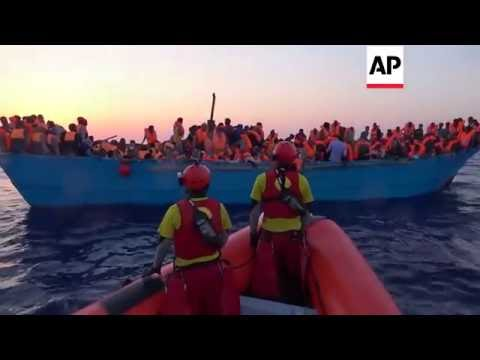 Libya - Migrants rescued off coast | Editor's Pick | 29 Aug 16