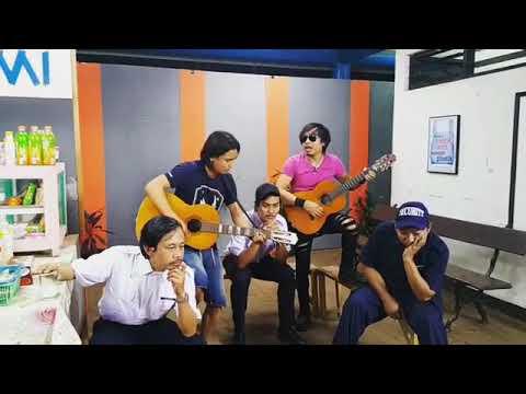 Charly Setia Band - Di Stasiun Kereta ada Cinta