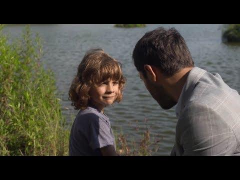OTECKOVIA - Alex prišiel Maxovi povedať, že je jeho otec