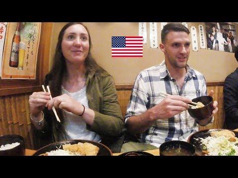アメリカ人カップル!豚カツと日本酒を絶賛!/ American couple has japanese pork cutlets and sake.