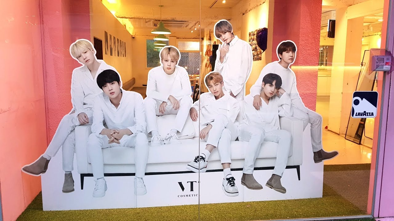 VT PINK HOUSE - BTS-Themed Cafe with individual BTS standees in a garden!