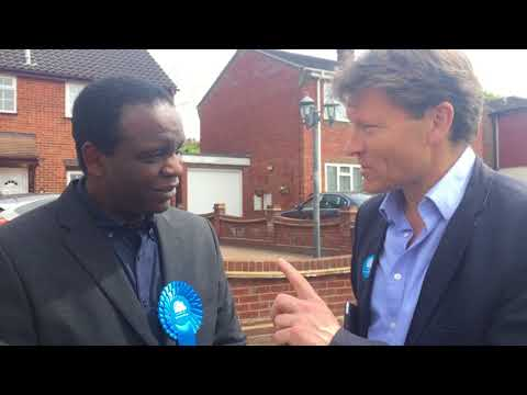 Richard Tice chats with Greg Samuels on Election Day