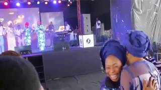 Tope Alabi with  a Nice Dance move As Bukola Bekes Performs At Her Concert