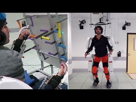 El exoesqueleto que permite a un joven tetrapléjico volver a andar