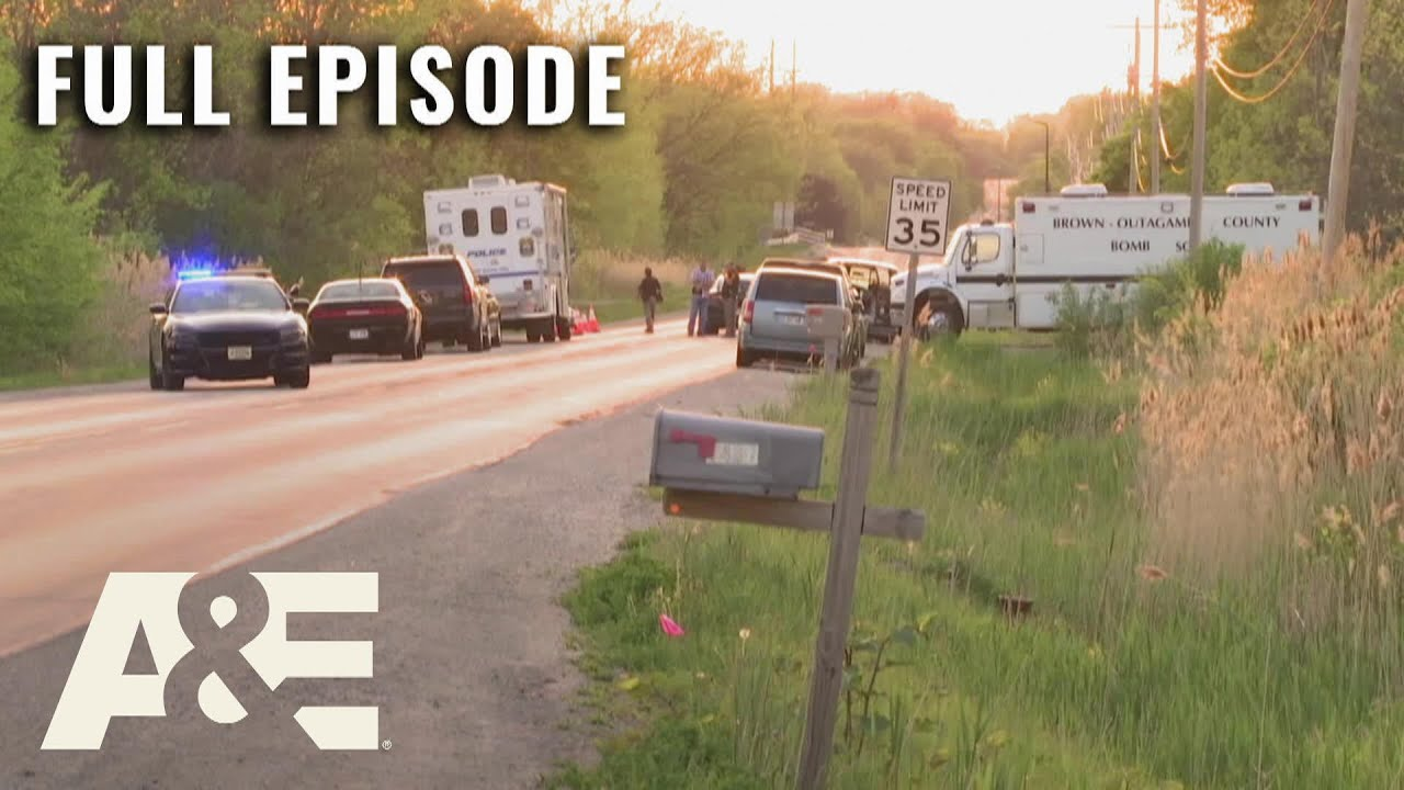 Download Killer Cases: Murdered and Left in a Field (S1, E5)   Full Episode   A&E