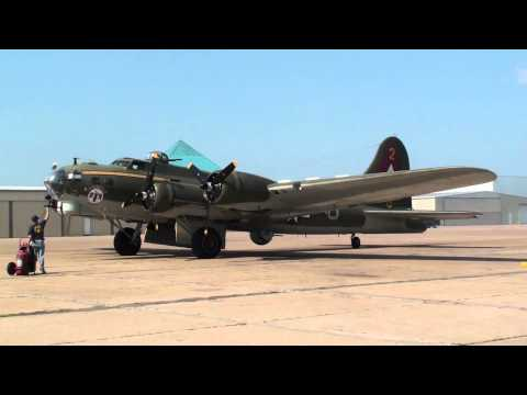 B-17 Flying Fortress WWII Airplane Engine Start Up Galveston, TX