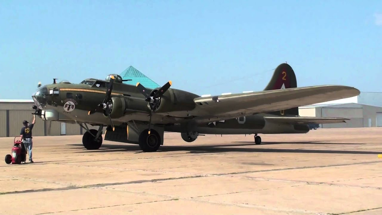 B-17 Flying Fortress WWII Airplane Engine Start Up