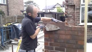 How To Build A Brick Wall (bricklaying)