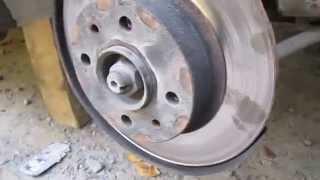 видео Замена передних тормозных колодок на ваз 2109