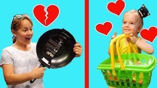 Anabella nu vrea sa cumpere nimic. Vrea doar jucarii | Anabella and toys for girls | Sketch