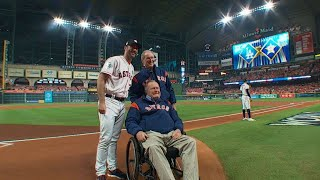 WS2017 Gm5: Former presidents throw first pitch