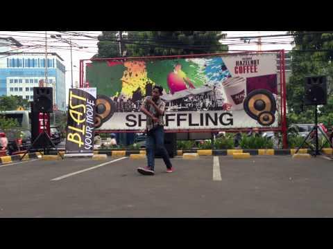 MC SWAG CREW (Frestyle Dance Dougie & Jerkin 2014) At KFC Salemba,Jakarta Pusat