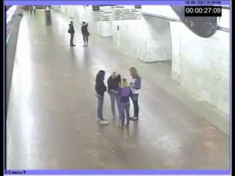 Александра Лоткова - Происшествие на ст. метро Цветной Бульвар (26.05.2012, полная версия)
