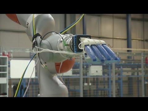 Online supermarket develops fruit-picking robotic hand