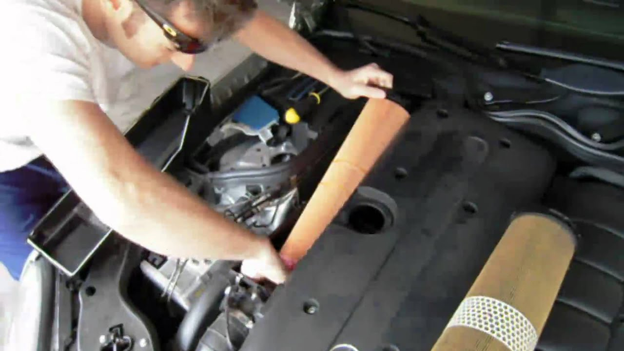 Air filter change mercedes e320 cdi for Mercedes benz s550 oil change