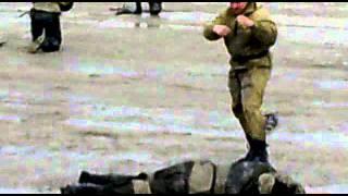 Спецназ демонстрирует боевое самбо