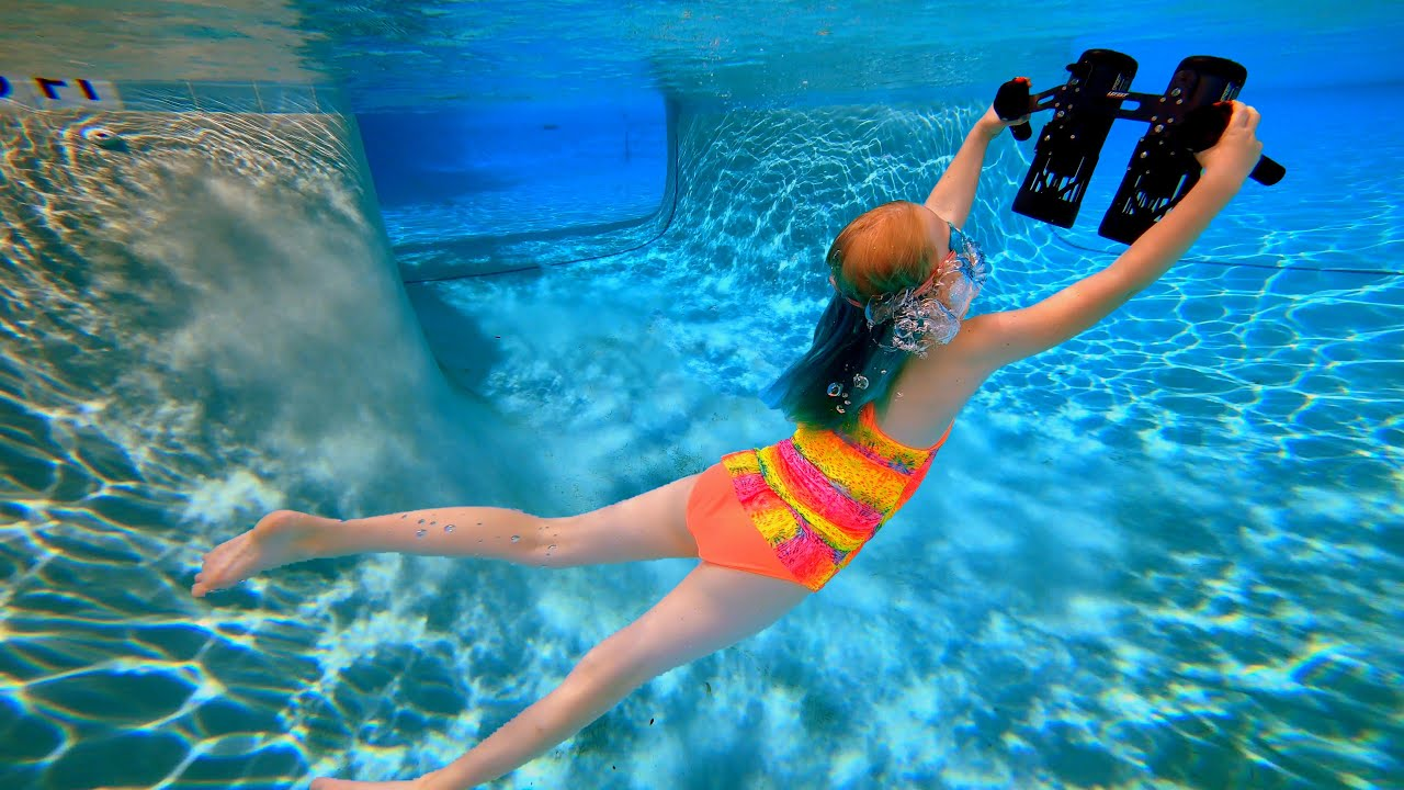 Flying underwater in a Giant Swimming Pool