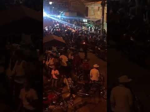 Video: Gran cúmulo de personas este fin de semana violentando las medidas en Los Pinos Hainamosa SDE.