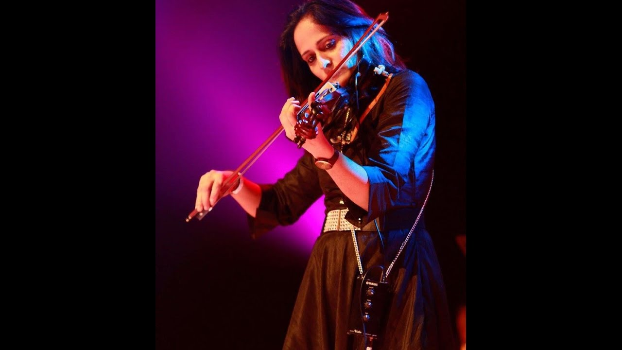Munbe Vaa En Anbe Vaa Violin Ringtone Roopa Revathi Chords