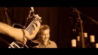 LeAnn Rimes - The Bottle Let Me Down (Live)