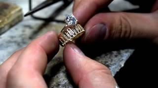 Micsorarescurtare inel din aur cu pietre cubic zirconia Atelier Costin