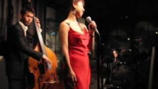 mikikoライブ in Doxy 2007/12/6 お客さんに強制的に歌わせるmikikoちゃ...