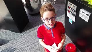 Sean gets a £5 bonus from Metro Bank's Magic Money Machine