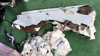دلائل لوقوع انفجار على متن الطائرة المصرية المنكوبة     24-5-2016