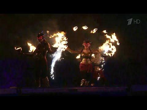 В Санкт-Петербурге стартовал традиционный фестиваль света и огня