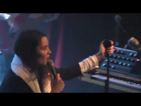 I Blame Coco Quicker  in Paris Alhambra 01042011 HD