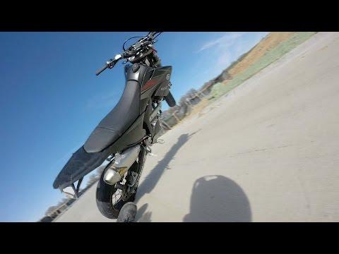 CRAZY Motorcycle Wheelie Crash