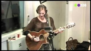 Radio 538: Leonie Meijer - Schaduw (Live bij Evers Staat Op)