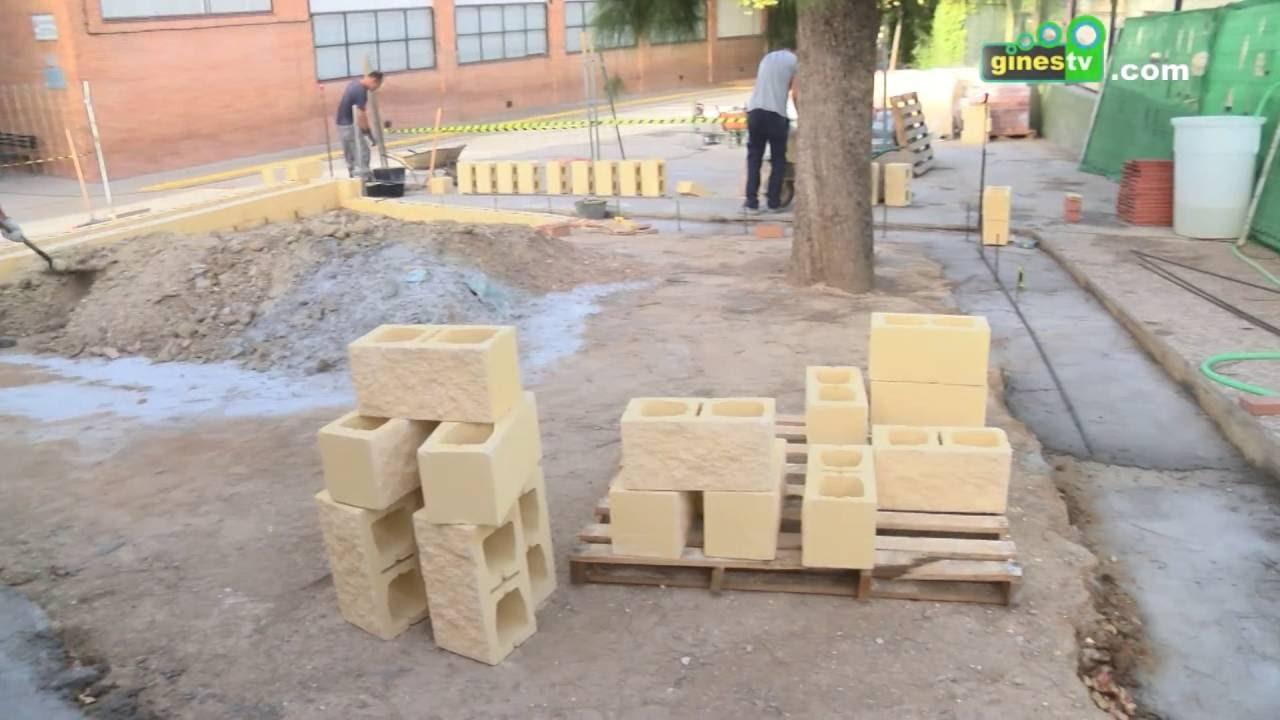 Obras de mejora en el patio del colegio Ángel Campano