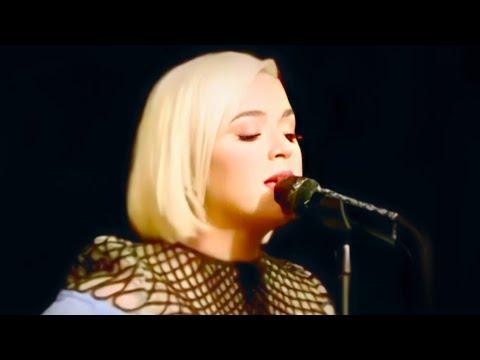 Katy Perry - Smile, Daisies, Harleys in Hawaii LIVE - SiriusXM (AUDIO)