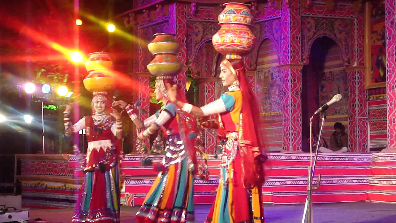 indian dance forms Bollywood dance is the dance-form used in the indian films it is a mixture of numerous styles these styles include belly-dancing, kathak, indian folk, western.