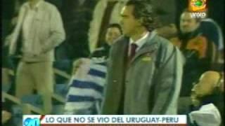 Chemo menta la madre a sus jugadores Peru- Uruguay 6-0