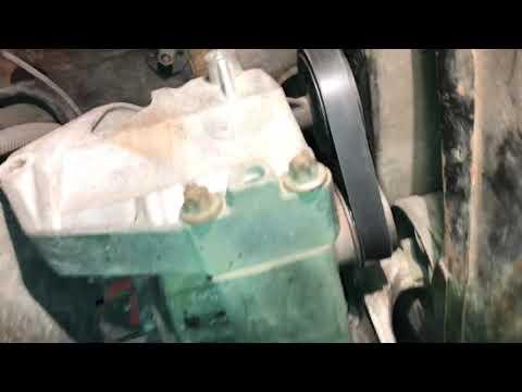 Мерседес W-168 снятие генератора