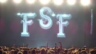 Feine Sahne Fischfilet - Halbstark (Die Toten Hosen / 2018 @ PORSCHE Arena Stuttgart)