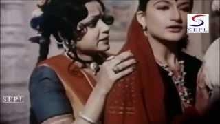 Sarika Explaining Her  Situation @ Shyam Tere Kitne Naam - Bharat Bhushan, Sarika, Sachin