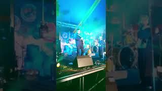 SJ plays Mustang Sally at Solfest