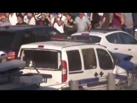 Taksim Gezi Parkı eyleminde polise linç girişimi