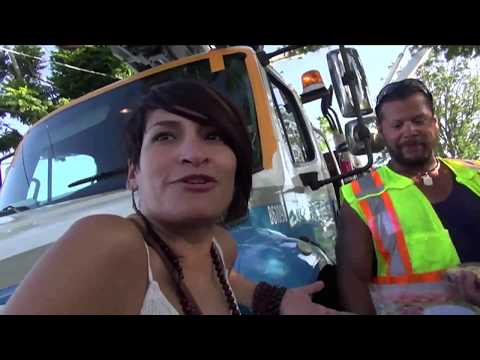 Evelyn Mejil tours and meets Walterio Alomar and the Con Edison Workers Video by Jose Rivera 12:13:1