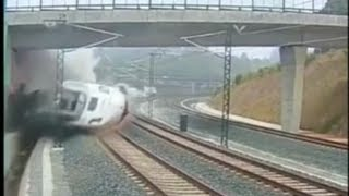 fastest ever train accident in spain very shoking video