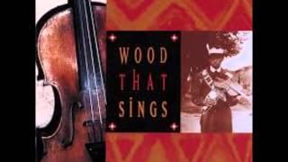 15 Felipe Molina & Yaqui Deer Singers - Pahko