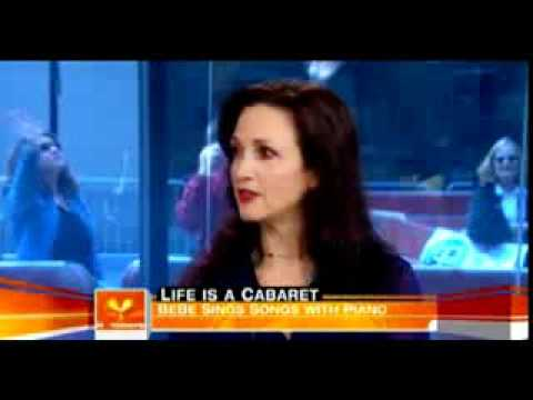 Bebe Neuwirth - Interview.